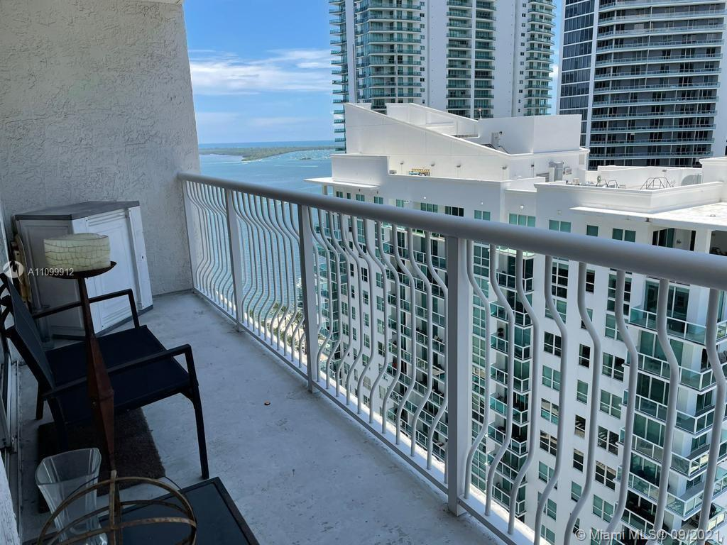 This beautiful 1 Bedroom 1 bath Condo, stainless still appliances,  granite countertops, Unit with p