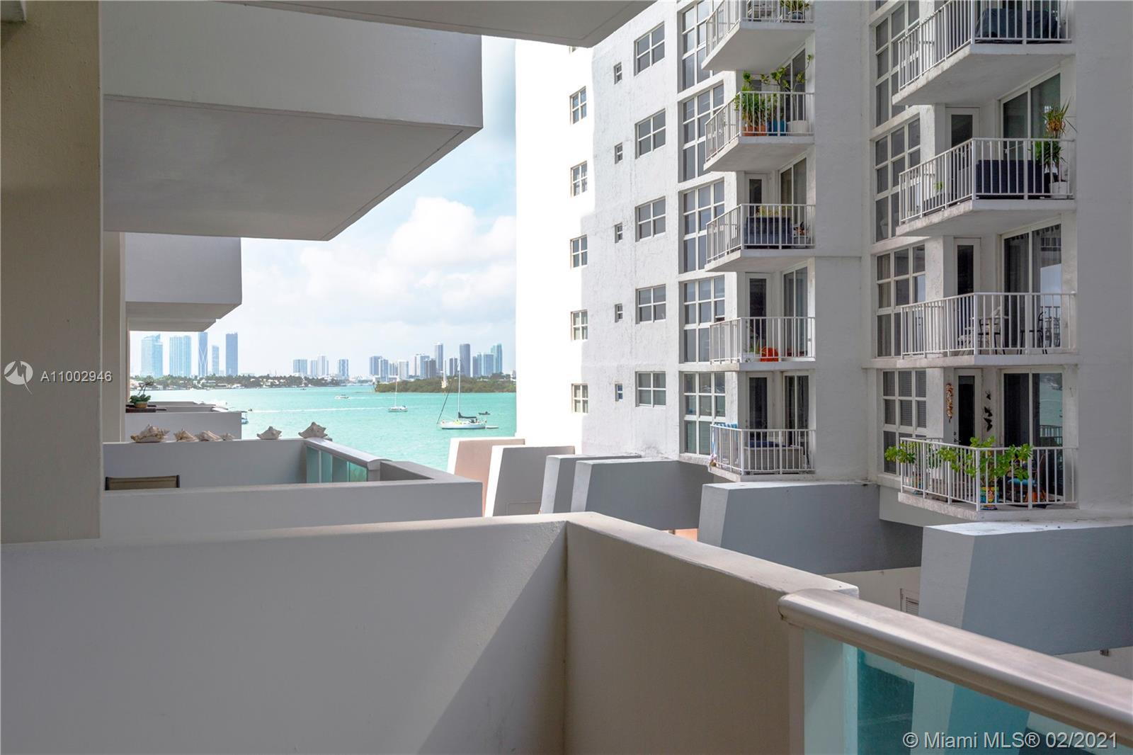 Renovated 1 bedroom/1 bathroom featuring partial West bay views with sunsets! West Ave is a desirabl