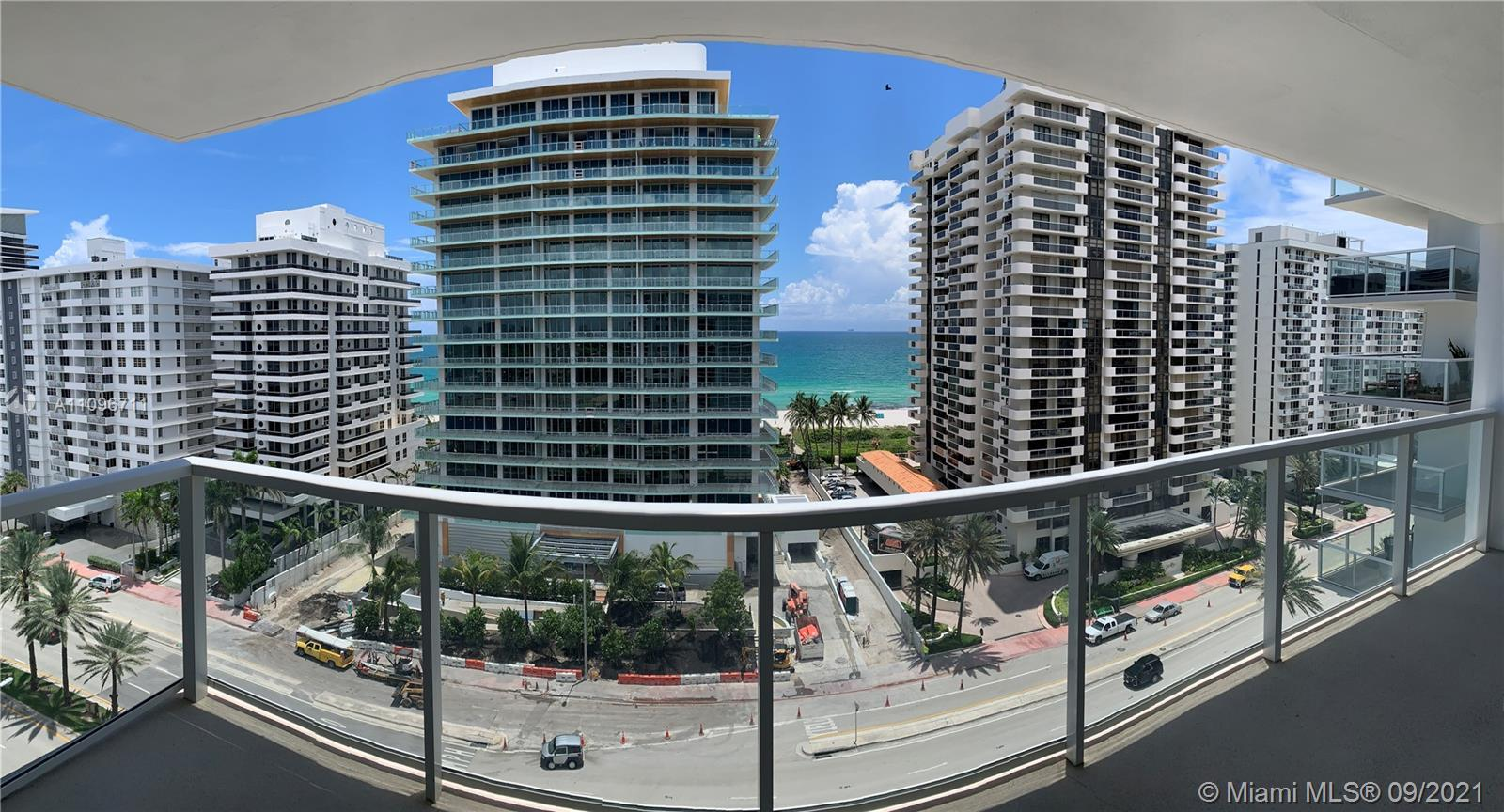 Location, Location!!! Apartment in a hidden gem in Millonarie Road. Spectacular city and ocean view