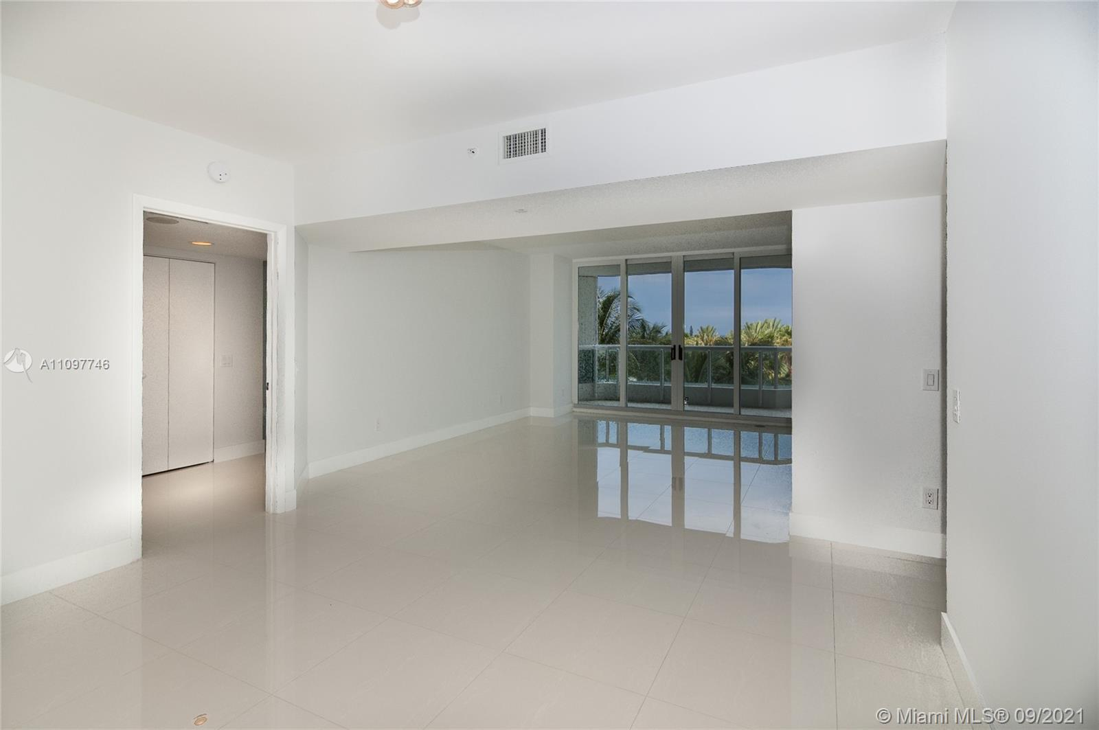EXCELLENT OPPORTUNITY @ THE POINT SOUTH TOWER!! 1,696SF UPGRADED UNIT. 2 BED / 2 BATH + DEN (could b