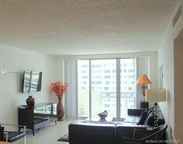 Amazing 2 bed/2 bath unit w/over 1,060sqft, large private balcony with stunning bay views from every