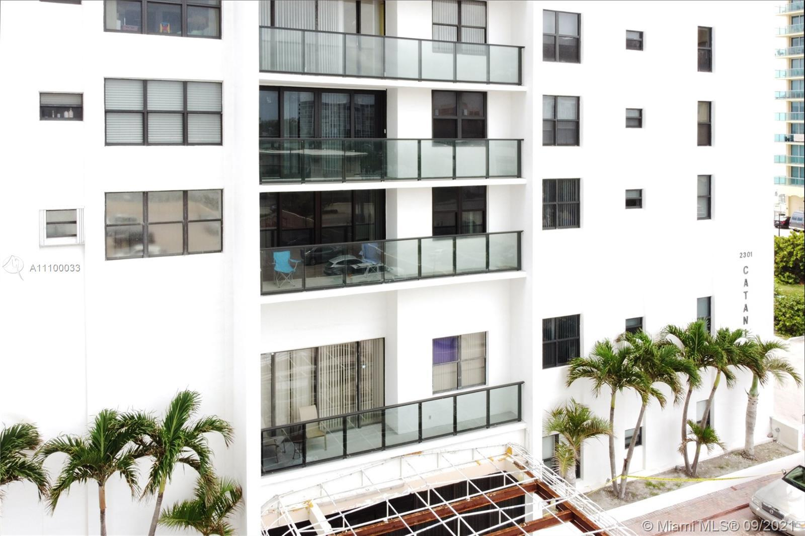 Beautiful 1/1.5 condo 1000 SF by the Ocean, 1 parking, 24 Hrs. Security/Concierge, impact windows/Do