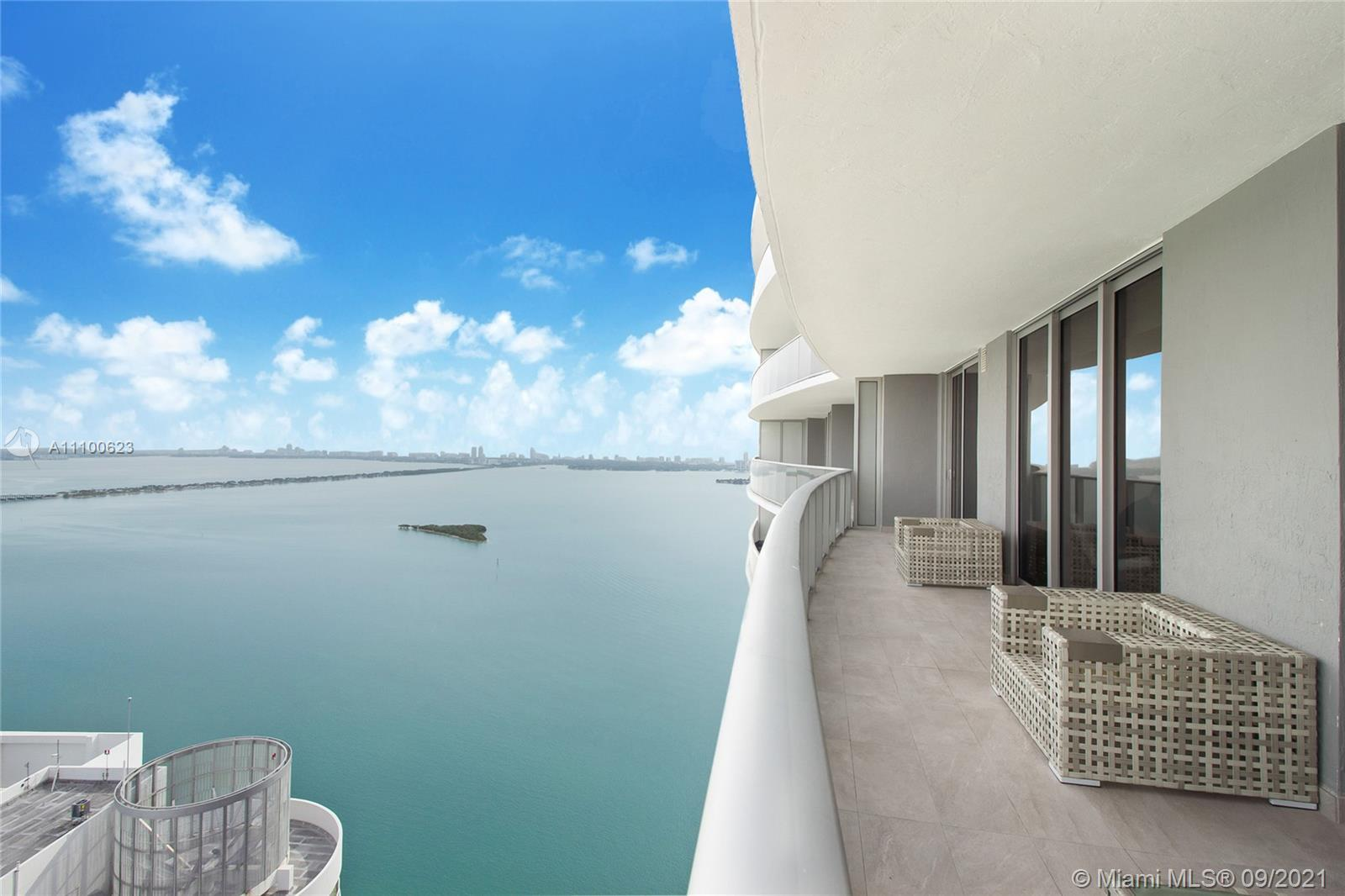 Amazing lower penthouse, located on the 50th floor. Beautifully furnished. Two oversized bedrooms, 2