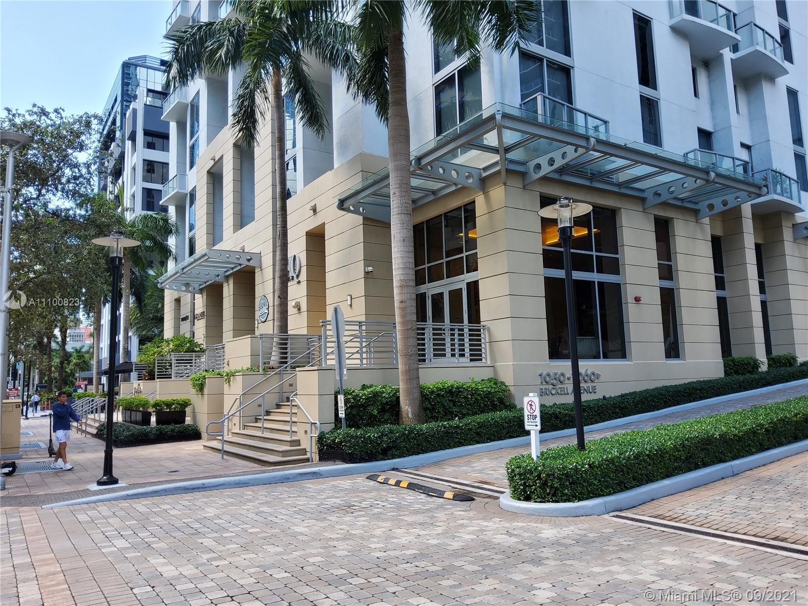 Stunning 2 bed 2.5 bath unit in the heart of Brickell. Featuring title floors throughout and high-en