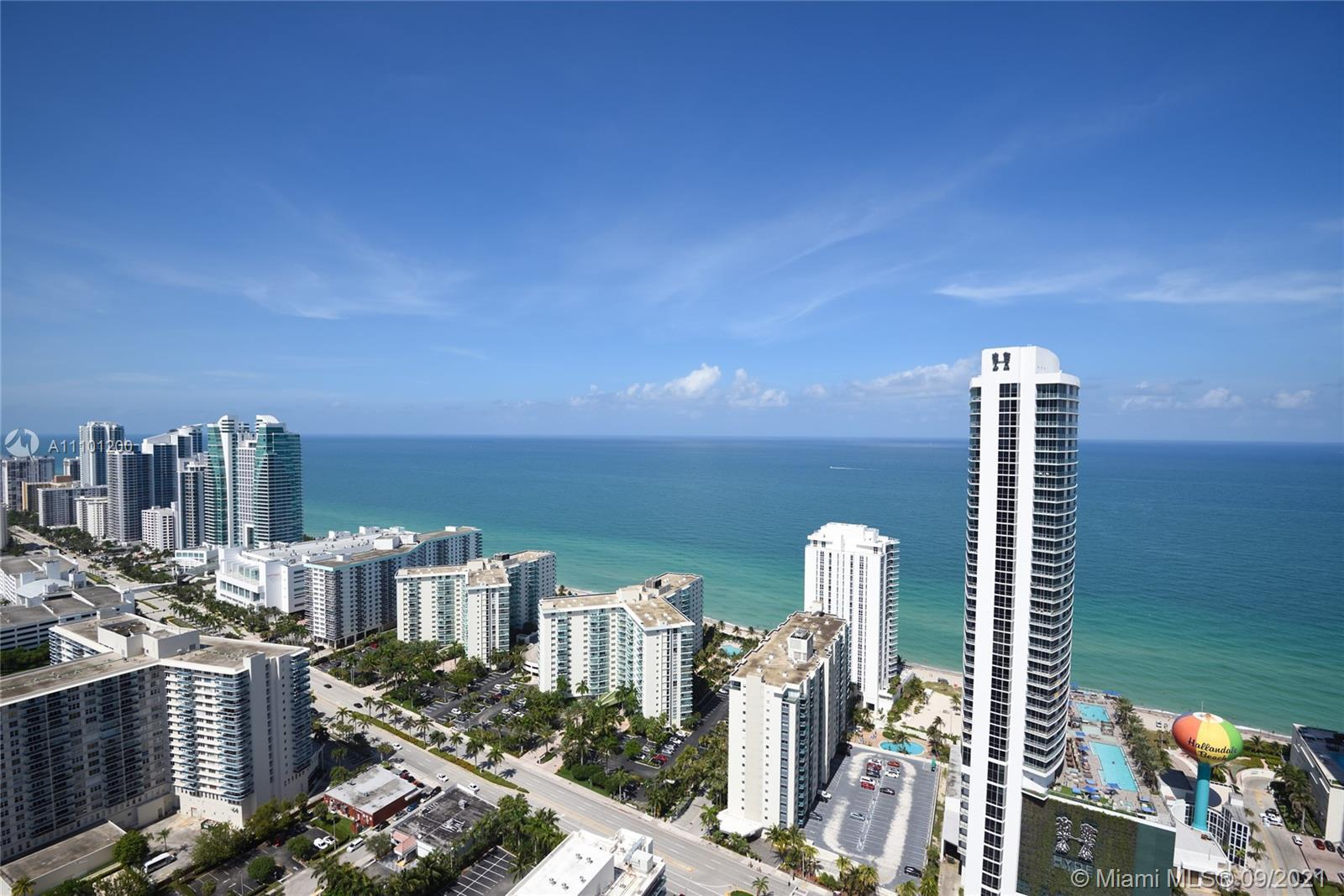 BUYERS DREAM BUY IT RENT IT OR USE IT. WOW ! WHAT A VIEW> HIGH ABOVE EVERYTHING AND EVERYONE DIRECT