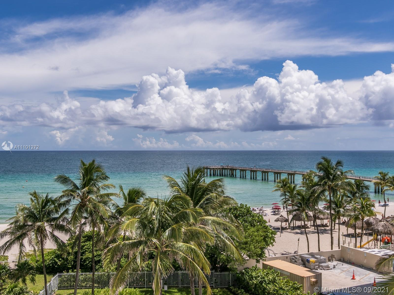 STUNNING SOUTHEAST 3 BEDROOM OCEANFRONT RESIDENCE. DIRECT OCEAN VIEWS FROM EVERY ROOM OF THIS COMPLE