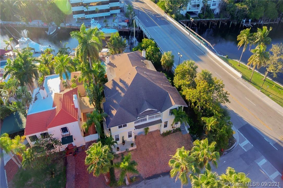 Las Olas Isles- The location couldn't be any better! Well appointed 5 Bedroom, 4.5 bathroom townhous