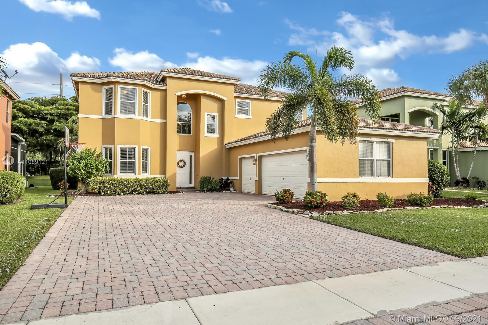 Welcome to the exquisite, upscale community of, Journey's End. Located in the heart of Lake Worth an