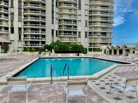 UNIQUE LOCATION WITH DIRECT ACCESS TO POOL AND POOL DECK! THIS 2BED / 2BATH UNIT FEATURES LOTS OF NA