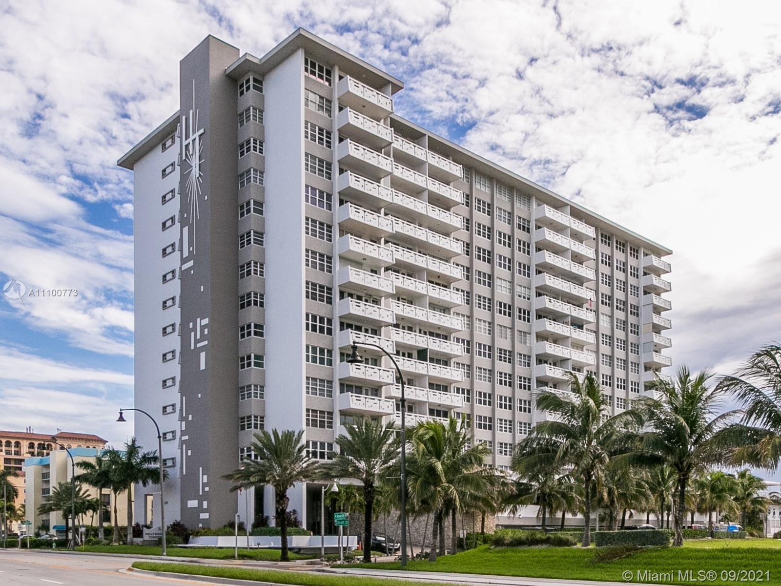 **READY FOR RELAXED OCEAN FRONT LIVING? COME AND LOOK AT THIS SPACIOUS ONE BEDROOM 1 1/2 BATHROOMS C