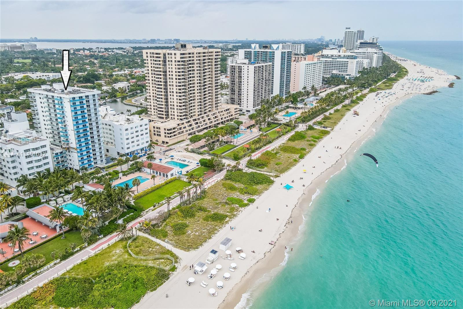 Experience oceanfront living at this beautiful, modern unit in the heart of Miami Beach. Unit boasts