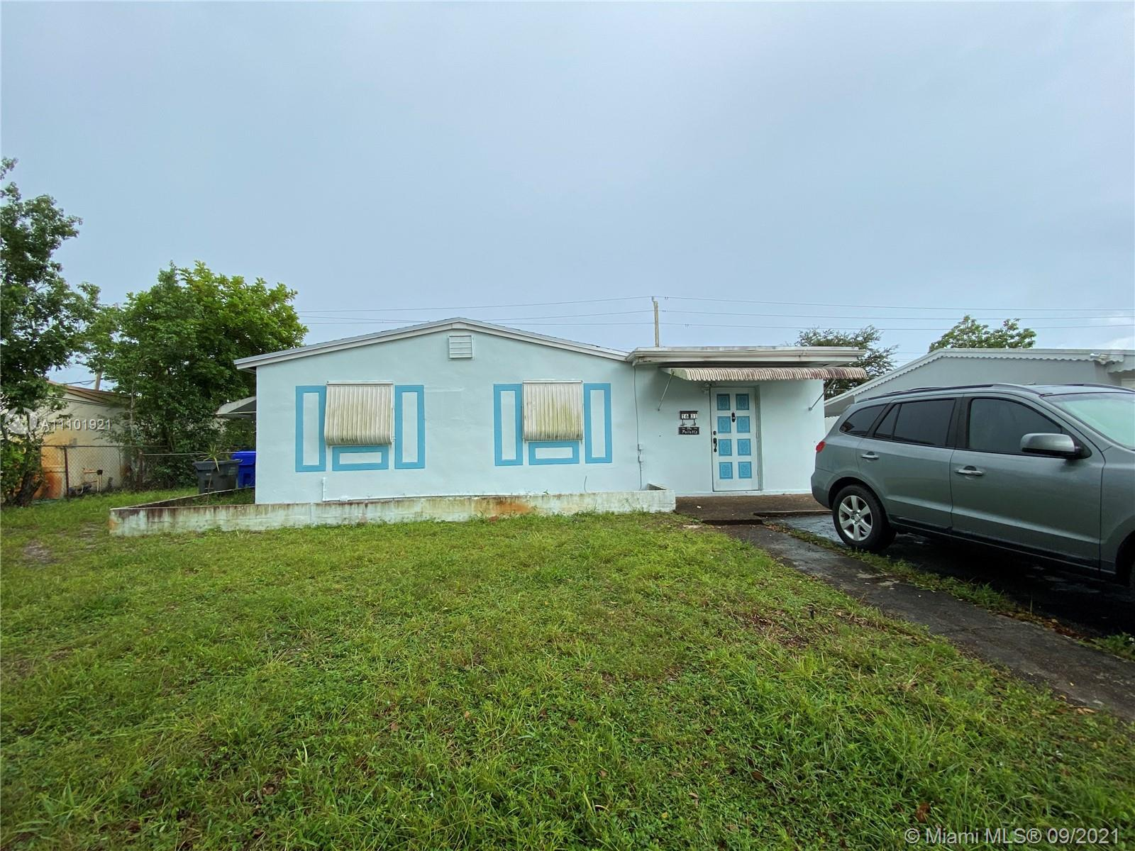 Estate Sale! Handyman special. 3 Bed/ 1 Bath. Great location, large lot with spacious backyard. Easy