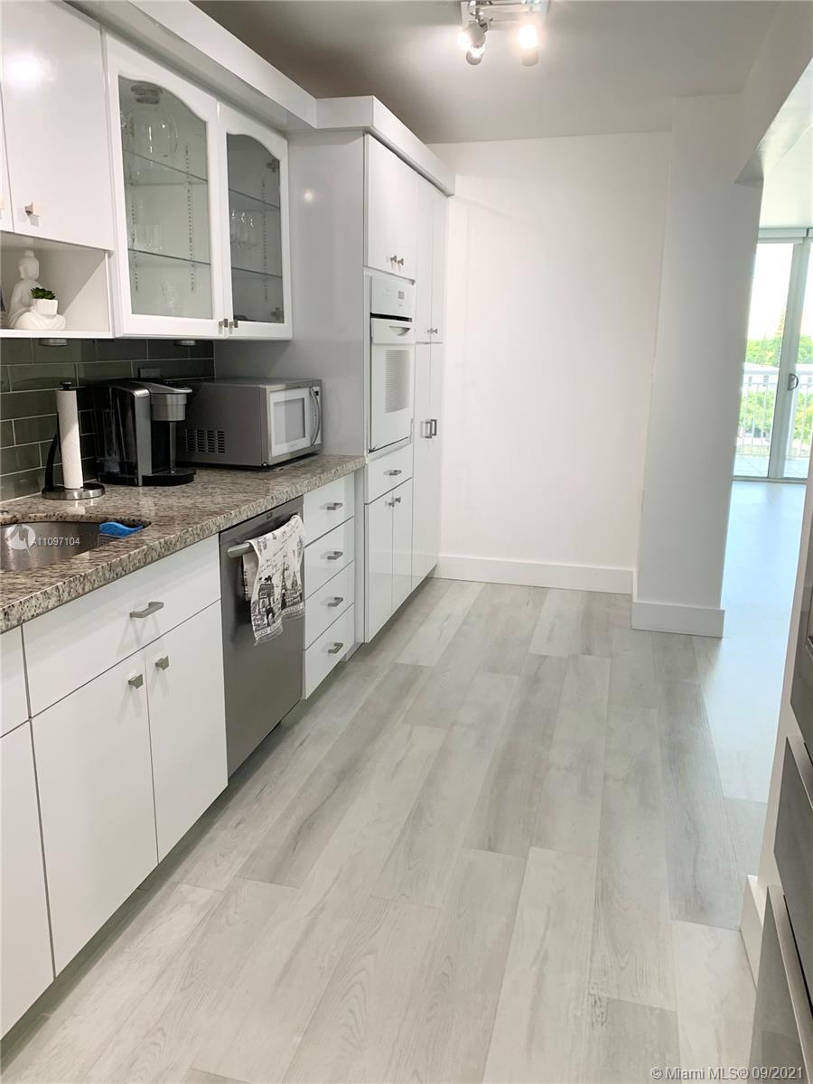 Beautiful Apartment Contemporary  Fully Renovated 2 Beds 2 Baths, Modern Bathrooms Porcelain Floors