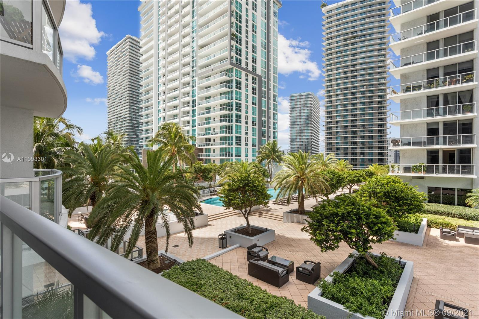 Gorgeous 2 bedroom condo with over 1300 SF in the heart of Brickell's Financial District!  Residence