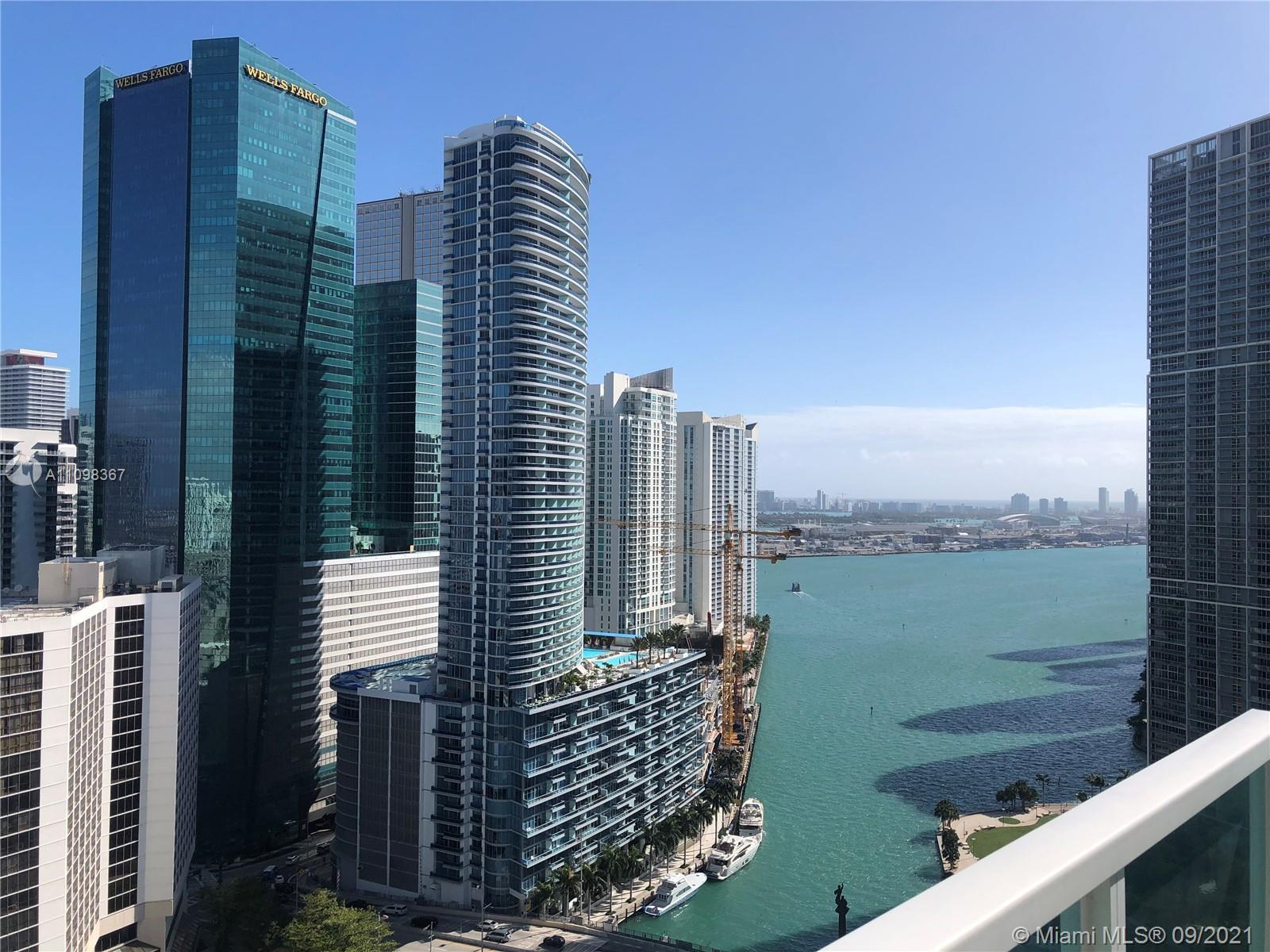 LOCATION! BEAUTIFUL LOFT IN THE HEART OF BRICKELL, 2BD/2BA, CORNER UNIT FACING NE WITH BAY, RIVER AN