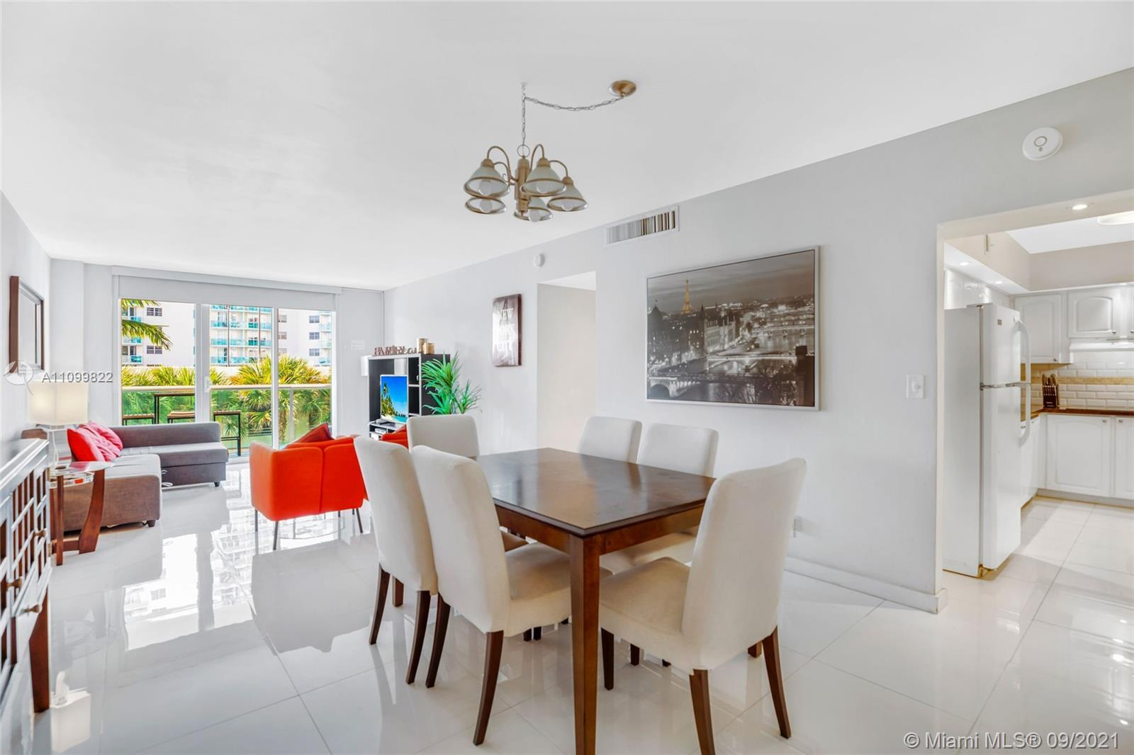 ** INVESTOR'S GREATEST OPPORTUNITY HAS COME TO MARKET! ** ENJOY THE SOUTH FLORIDA LIFESTYLE IN THIS