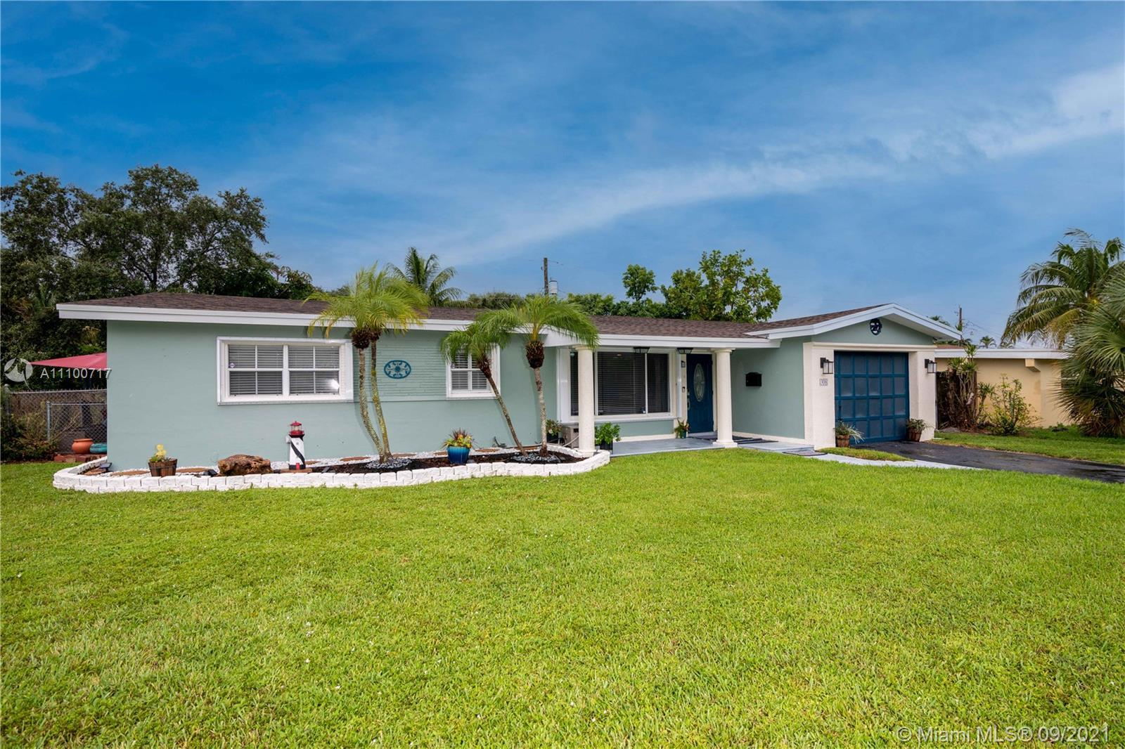 A must see. Gorgeous Updated 3/3 Home located in the beautiful neighborhood of Hollywood. It Feature