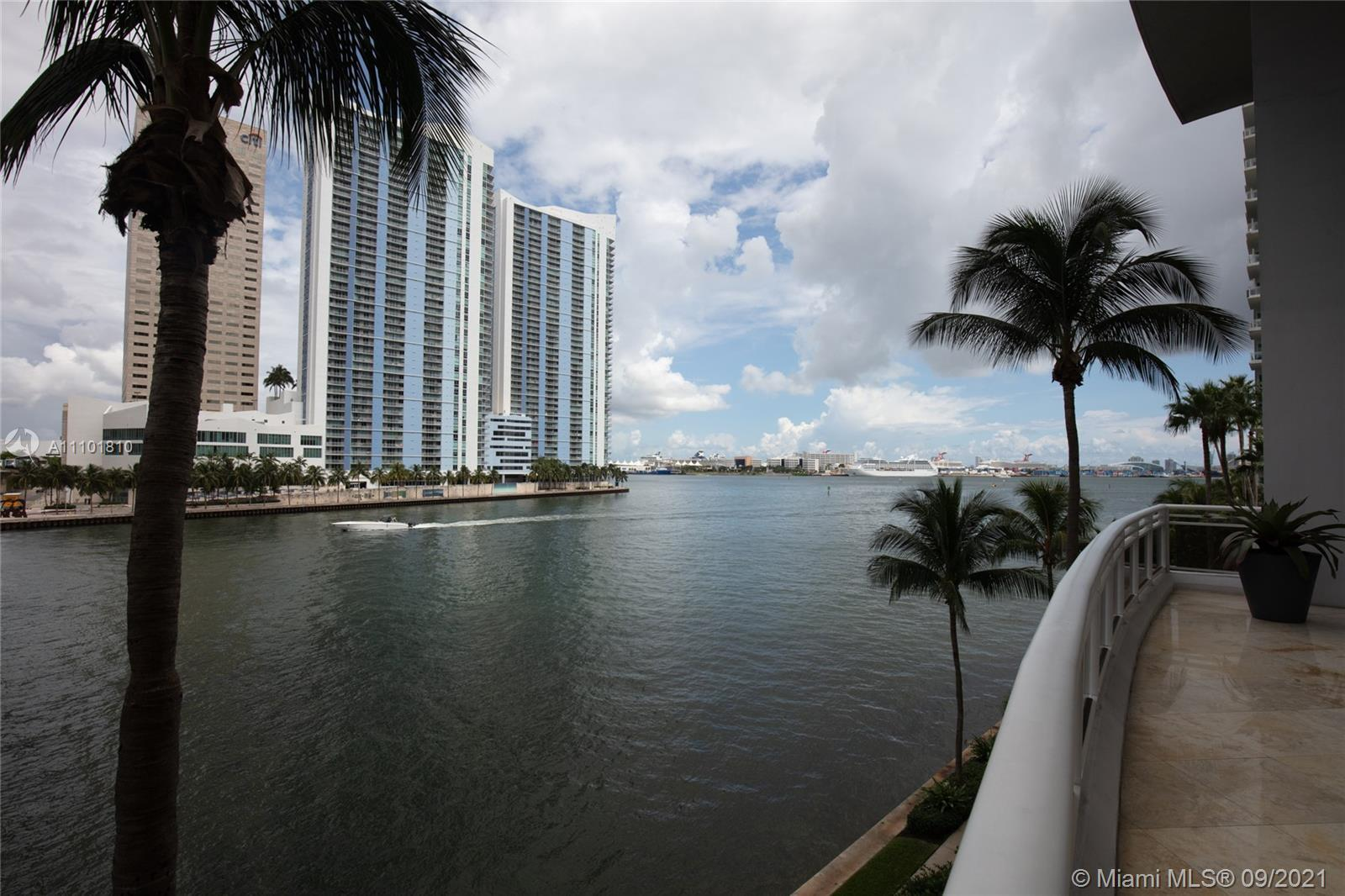 Just Listed! PRICED TO  SELL!!! 2/2 At sought after renowned Carbonell Condo in Brickell Key Claught