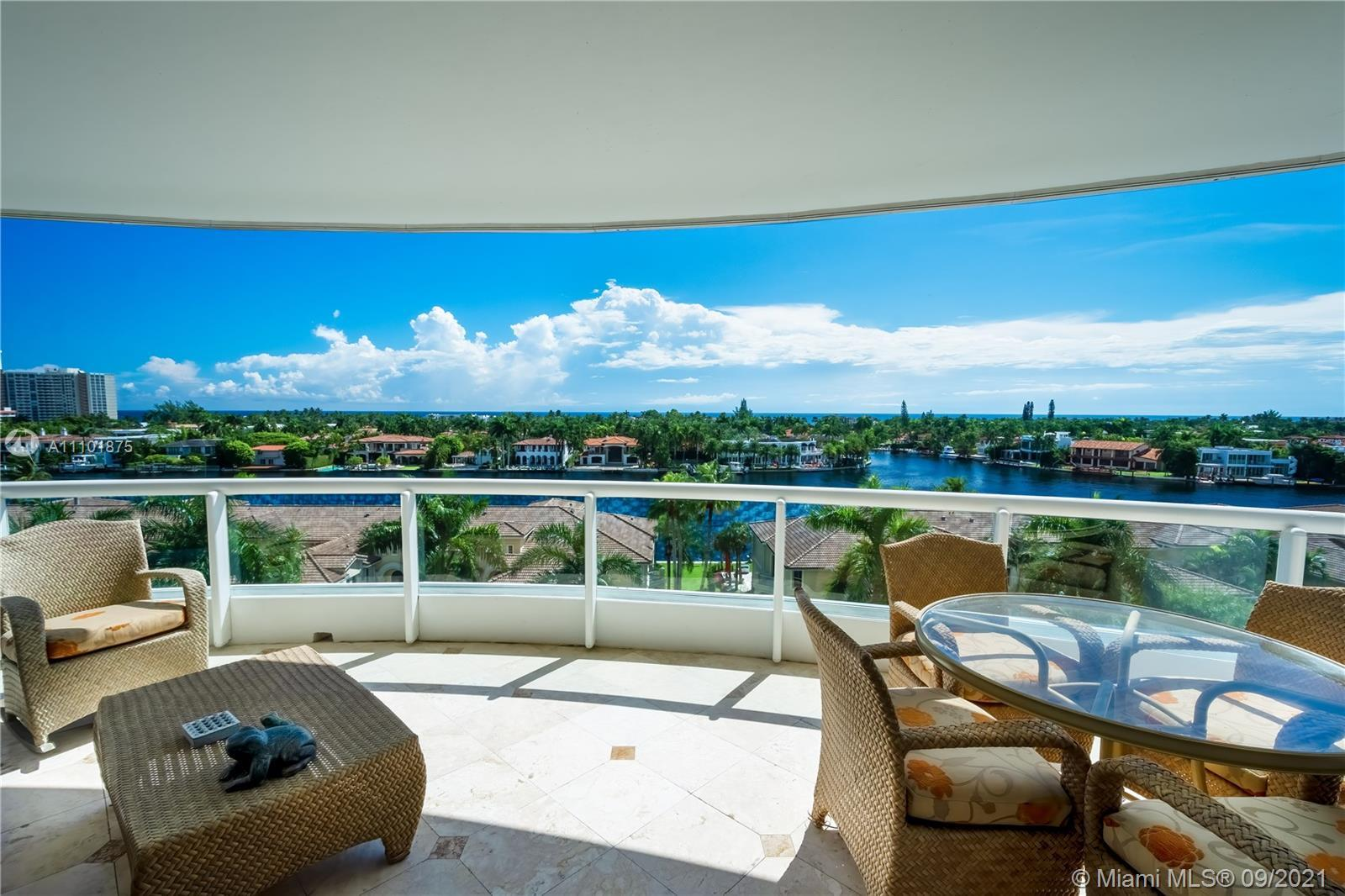 Aventura -Rarely available 3BD/3.5BA over 2970 sqft with direct east ocean and intracoastal views. T