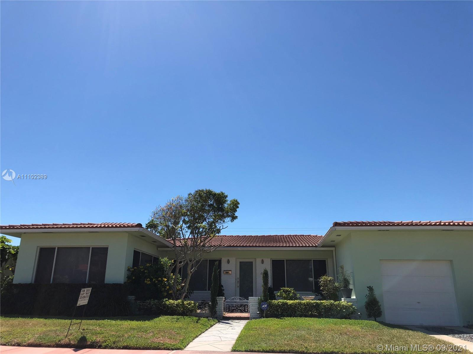 A gated and golf course community with parks and a wonderful community. The home is a mid-century ra