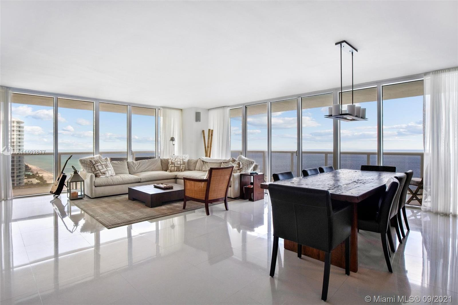 Spectacular Corner unit with direct Ocean Views. 3 Bed/3 Baths. 2078 sq.ft & 586 sq.ft wraparound ba