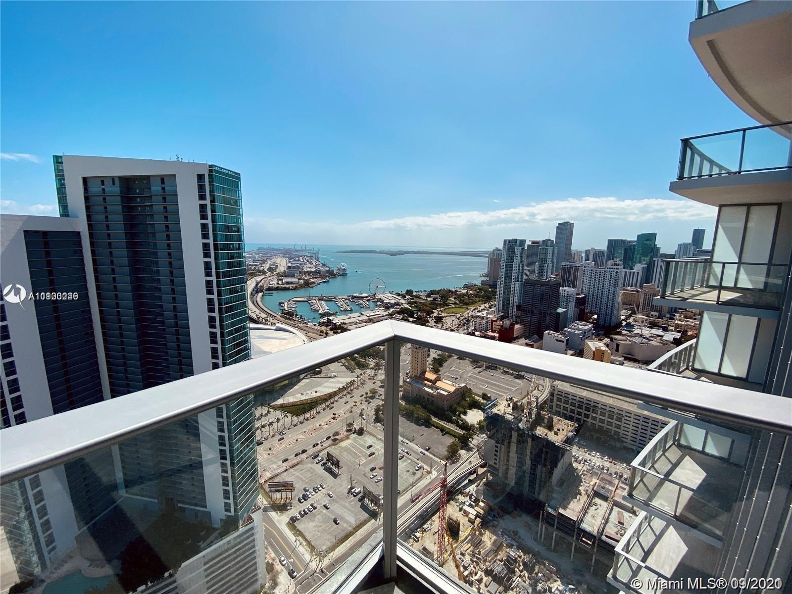 Beautiful 1 bed+ Den | 2 Bath with Panoramic views of the Bay and Miami Skyline from 46 Floor!!!!
