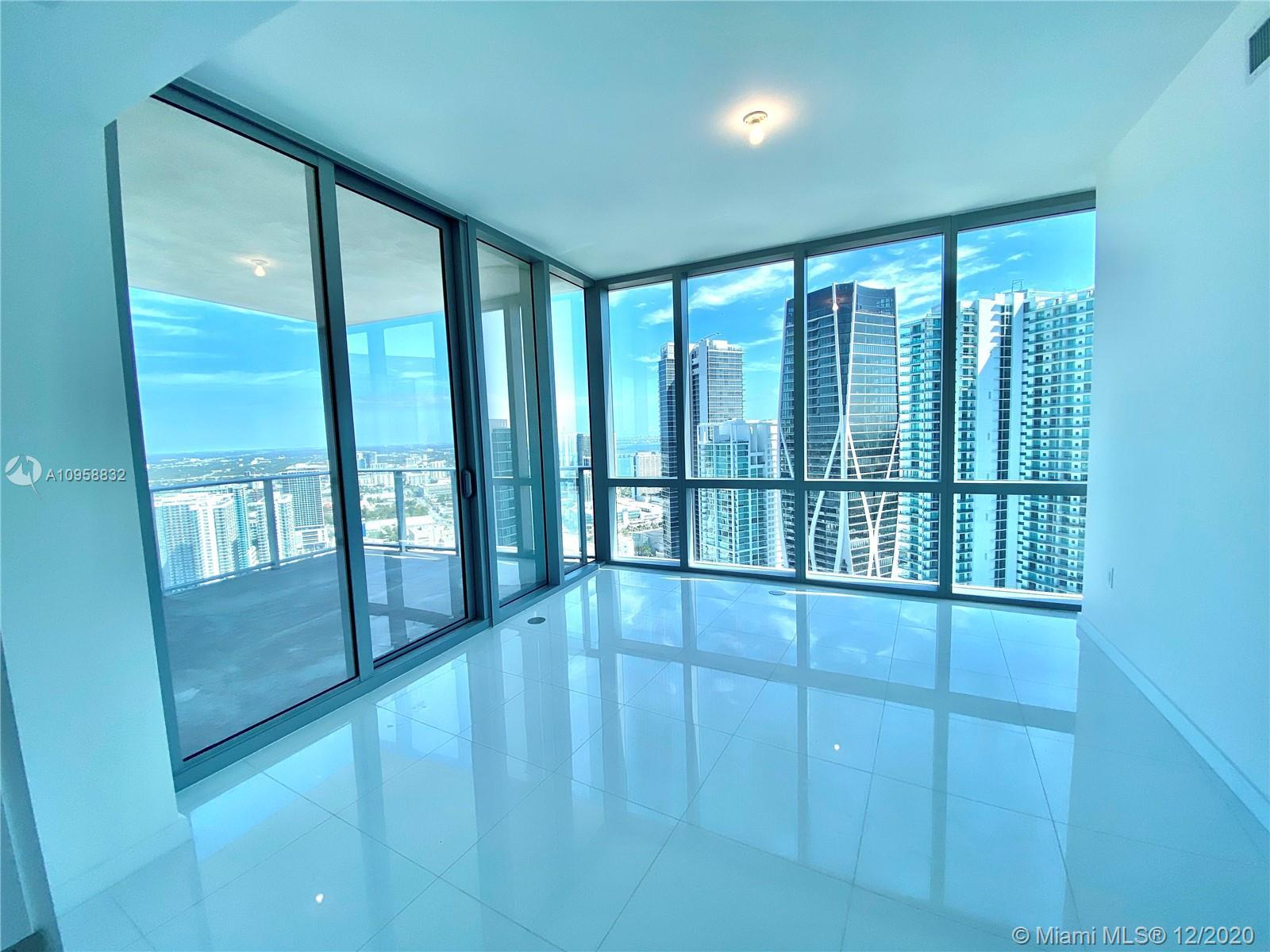 The Highest Floor available for 3 bed + DEN /4 Bath in the most desirable building Paramount Miami W