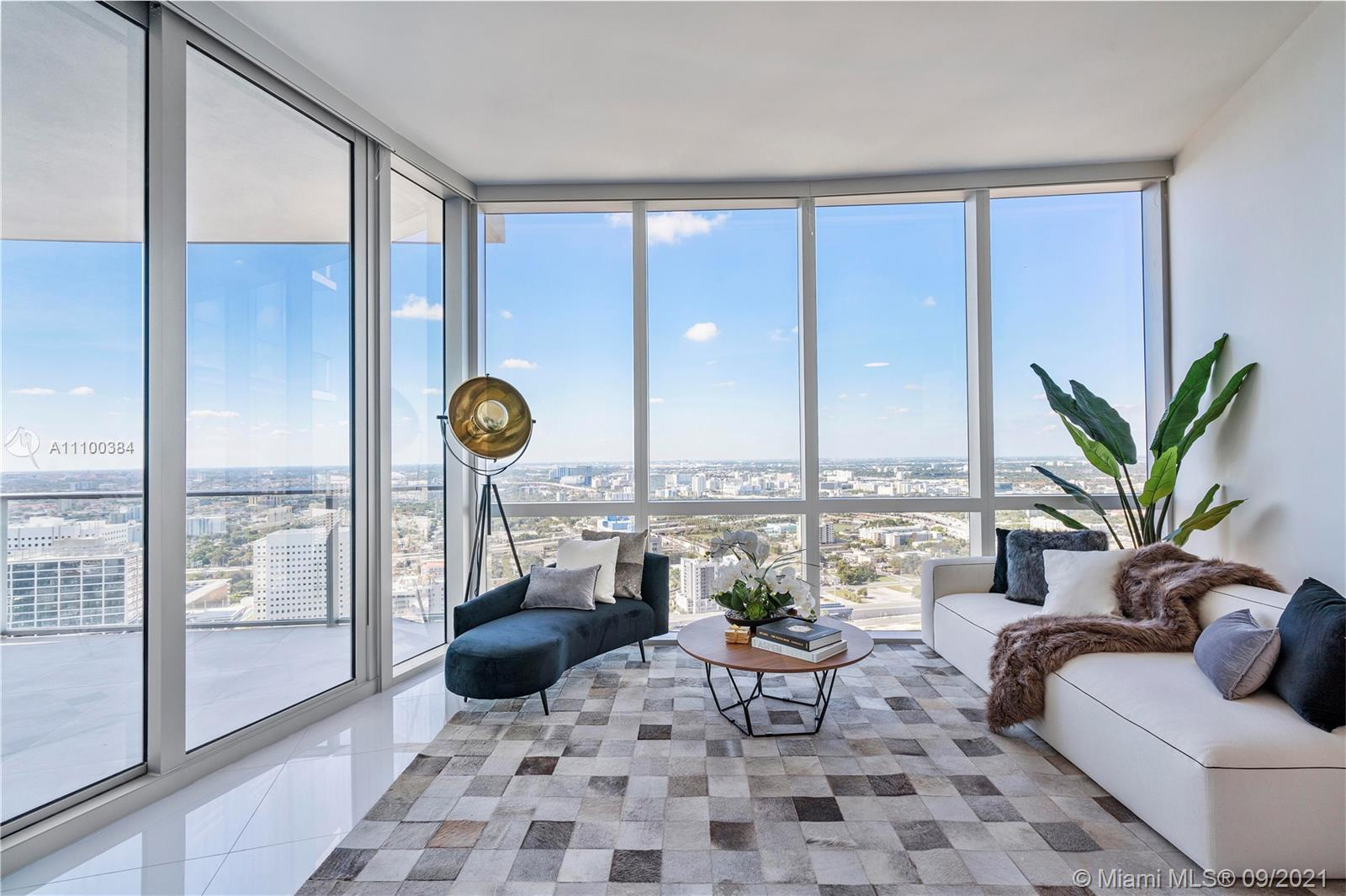 Owner Motivated! Amazing luxury unit at  Paramount Miami World Center. 1Bed+ 1 DEN (can be use as a