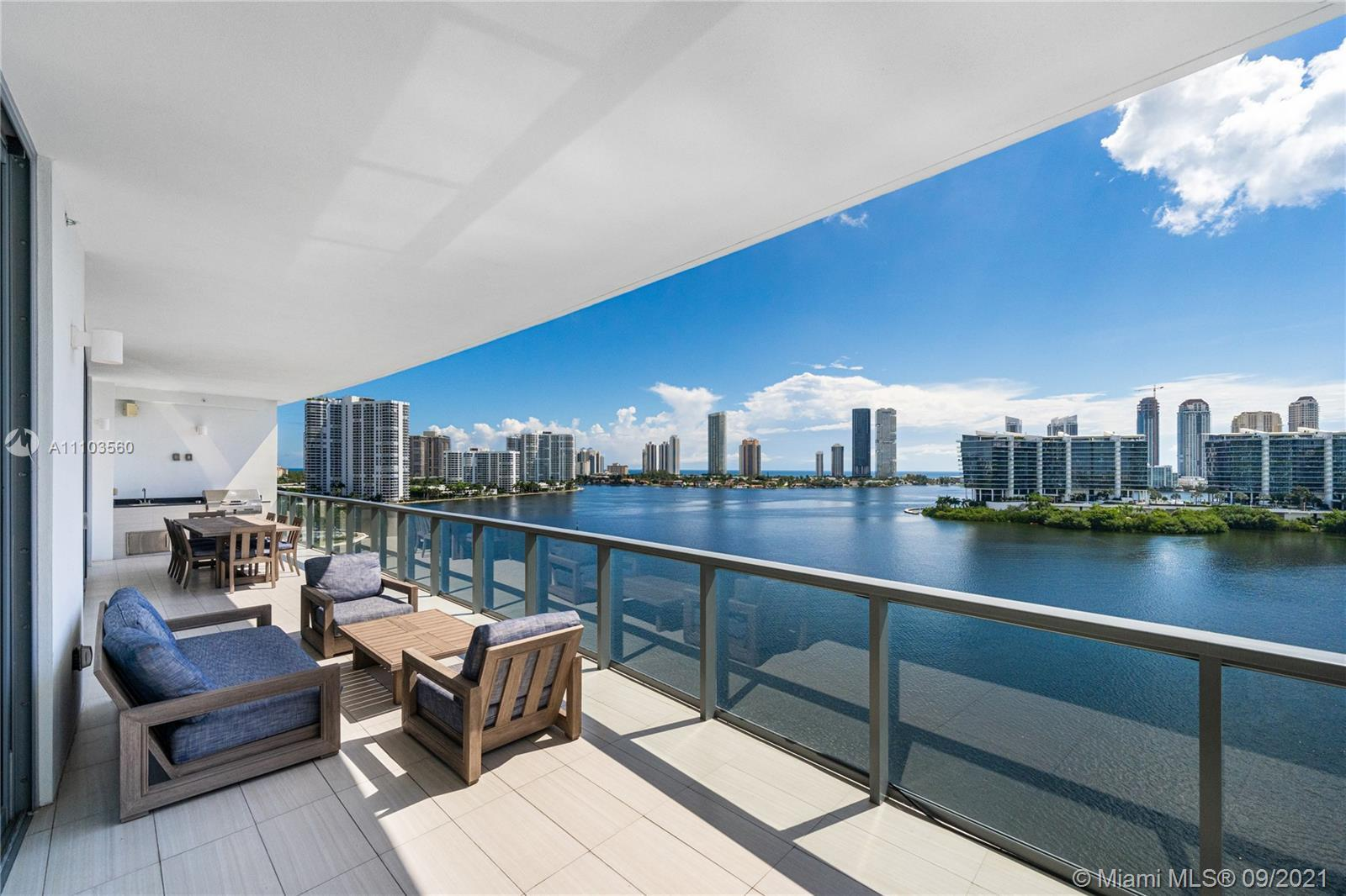 Spectacular Turnkey Residence at the Exclusive Echo Aventura! This 3 Bedroom / 4.5 Bathroom + Den +