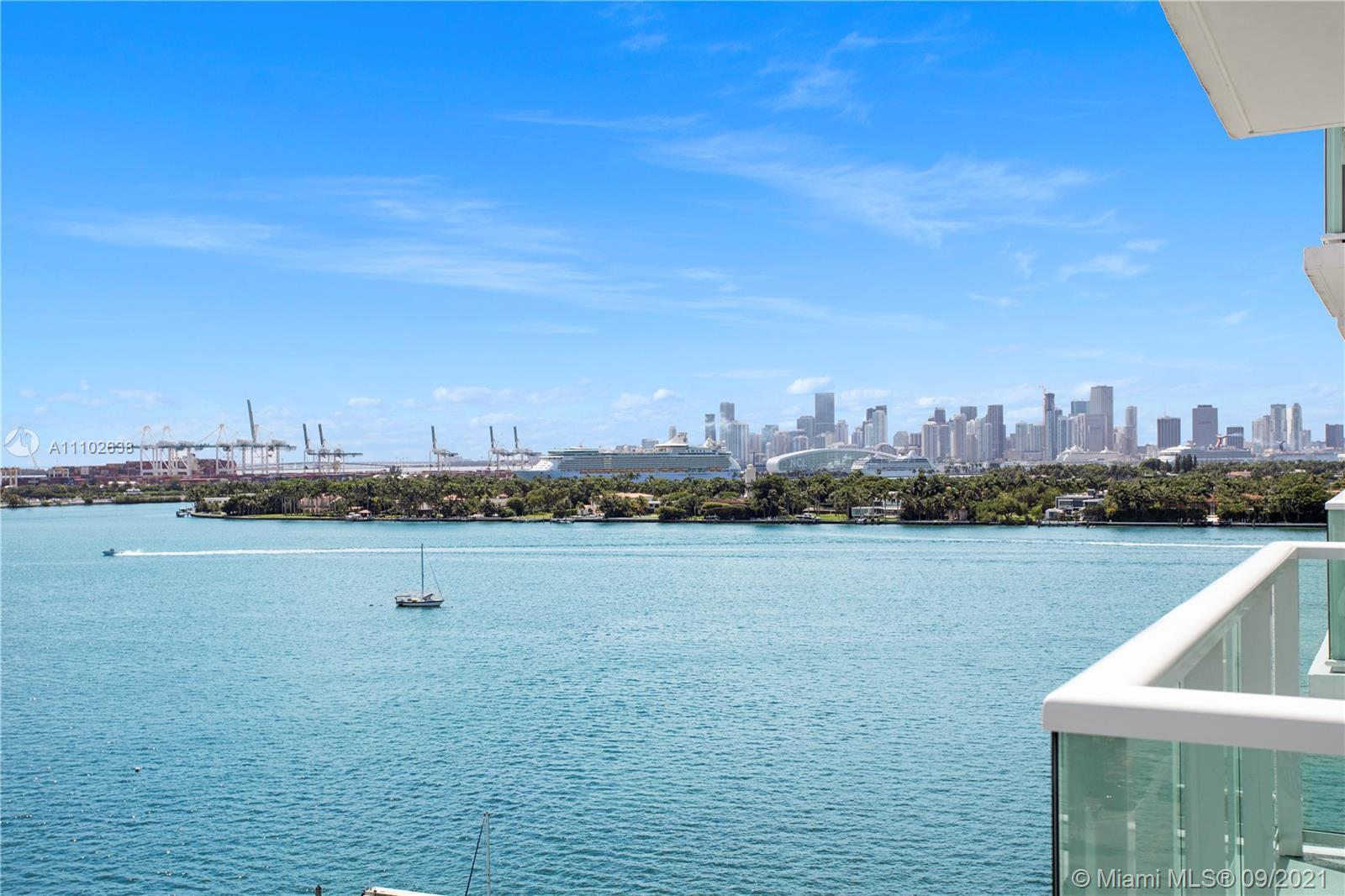 A bright 1 bedroom, 1.5 bathroom located on West Ave, with a view of the ocean, bay and skyline! Bra