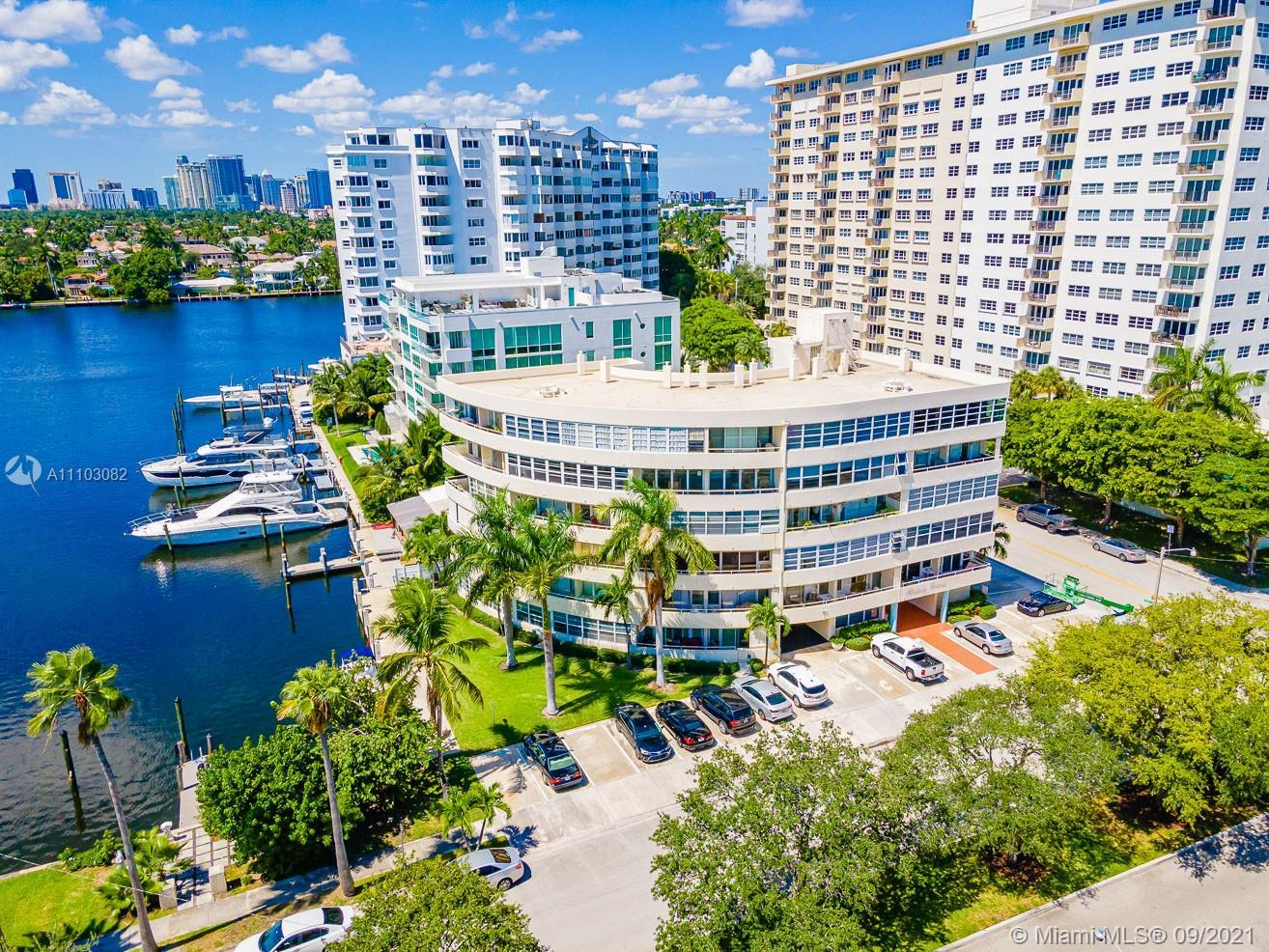 This mid-century boutique co-op is truly a GEM on the water and just off las Olas! Rarely does a uni