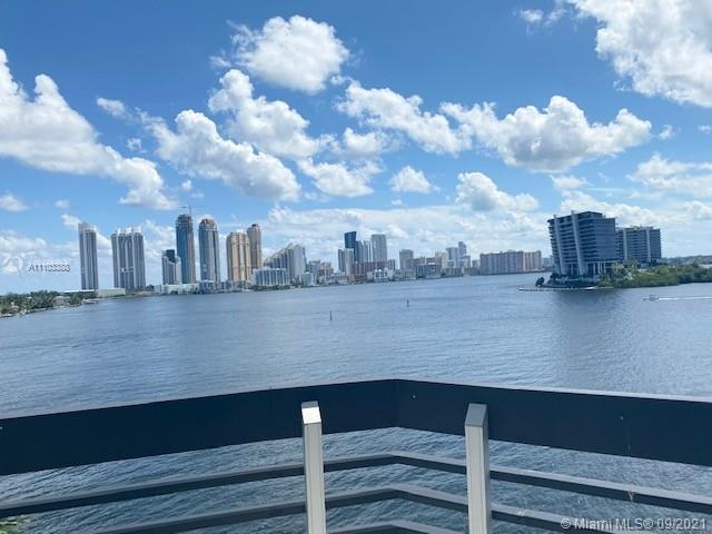 RARELY AVAILABLE 3/3 IN MYSTIC POINTE TOWER 500, INTRACOSTAL VIEWS, UPDATED KITCHEN W/ QUARTZ COUNTE