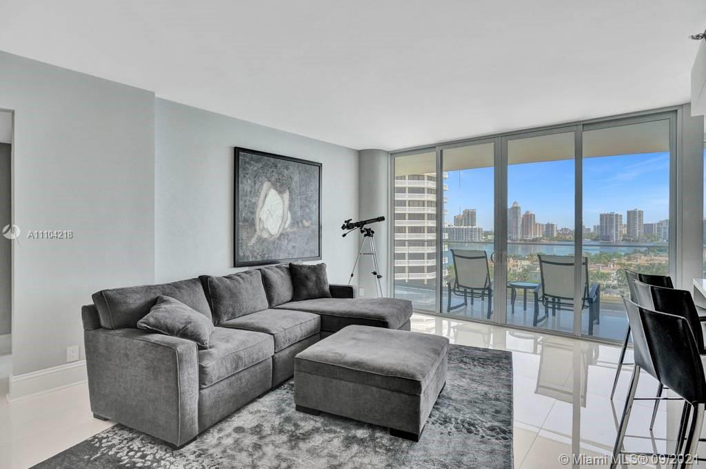 BEAUTIFUL VIEWS FROM THIS FULLY RENOVATED UNIT FEATURING A SPLIT 2 BEDRMS / 2 BATH PLAN WITH A LARGE