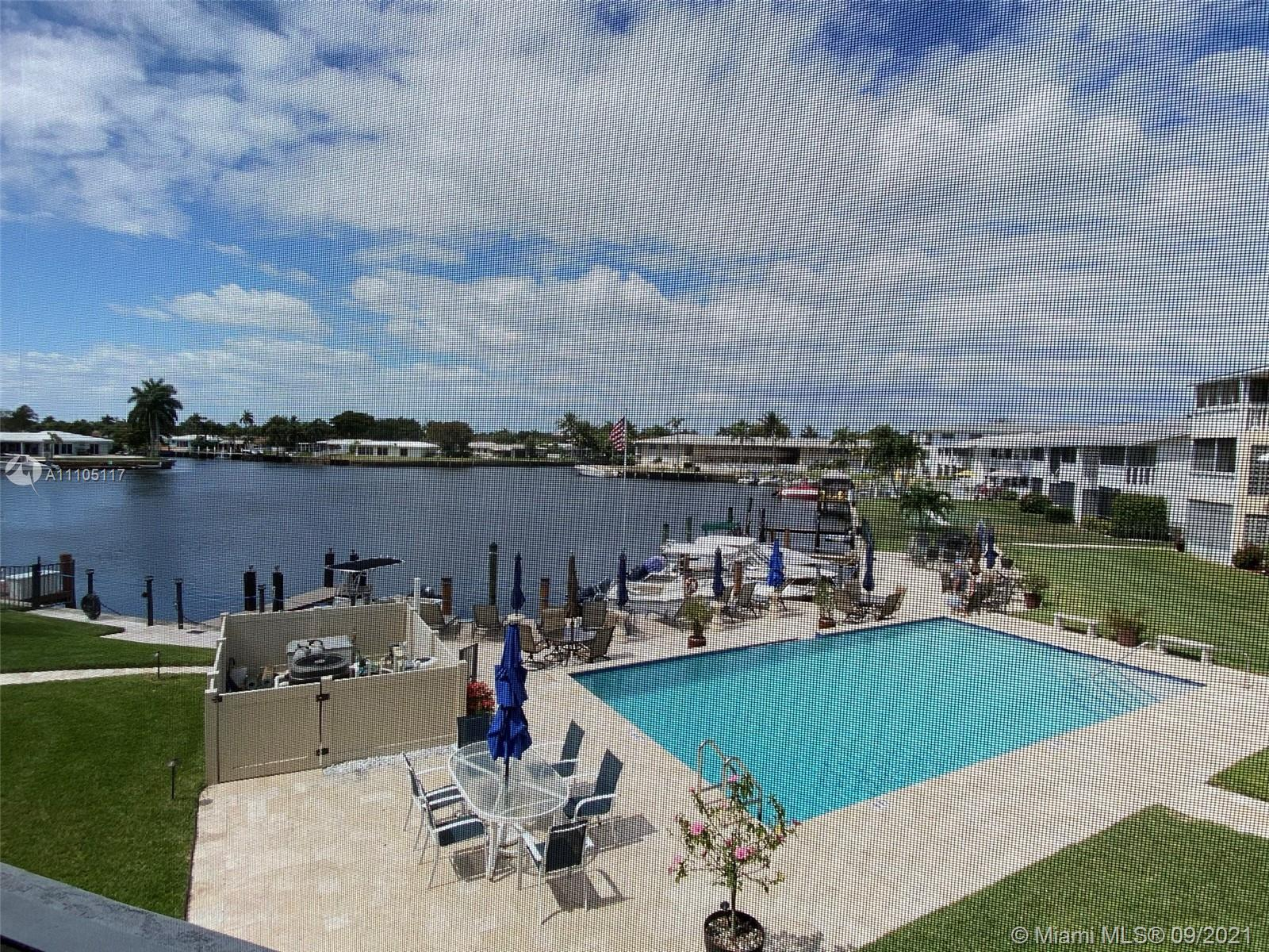 Beautiful waterfront resort living, watch bay water / boating/ pool from your unit. 2 bedroom, 2 ful