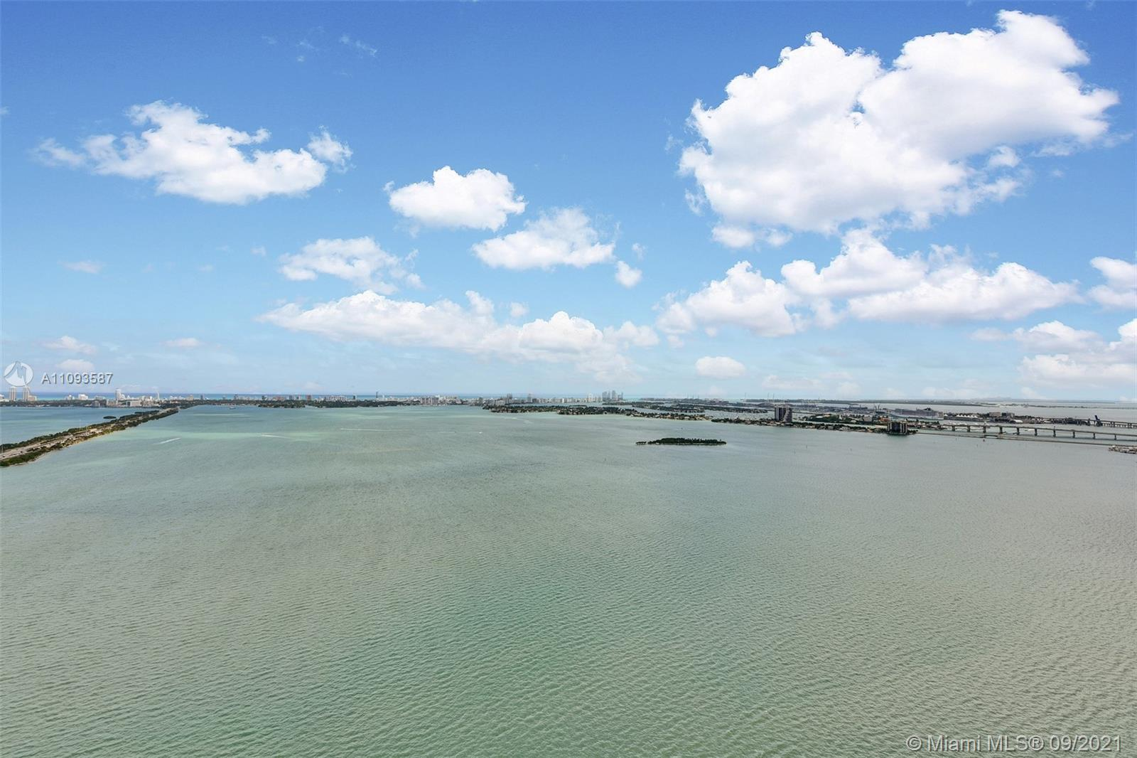 This gorgeous 47th floor 3 bdrm/3.5 bath w/ den condo has a multi-million dollar, unobstructed view