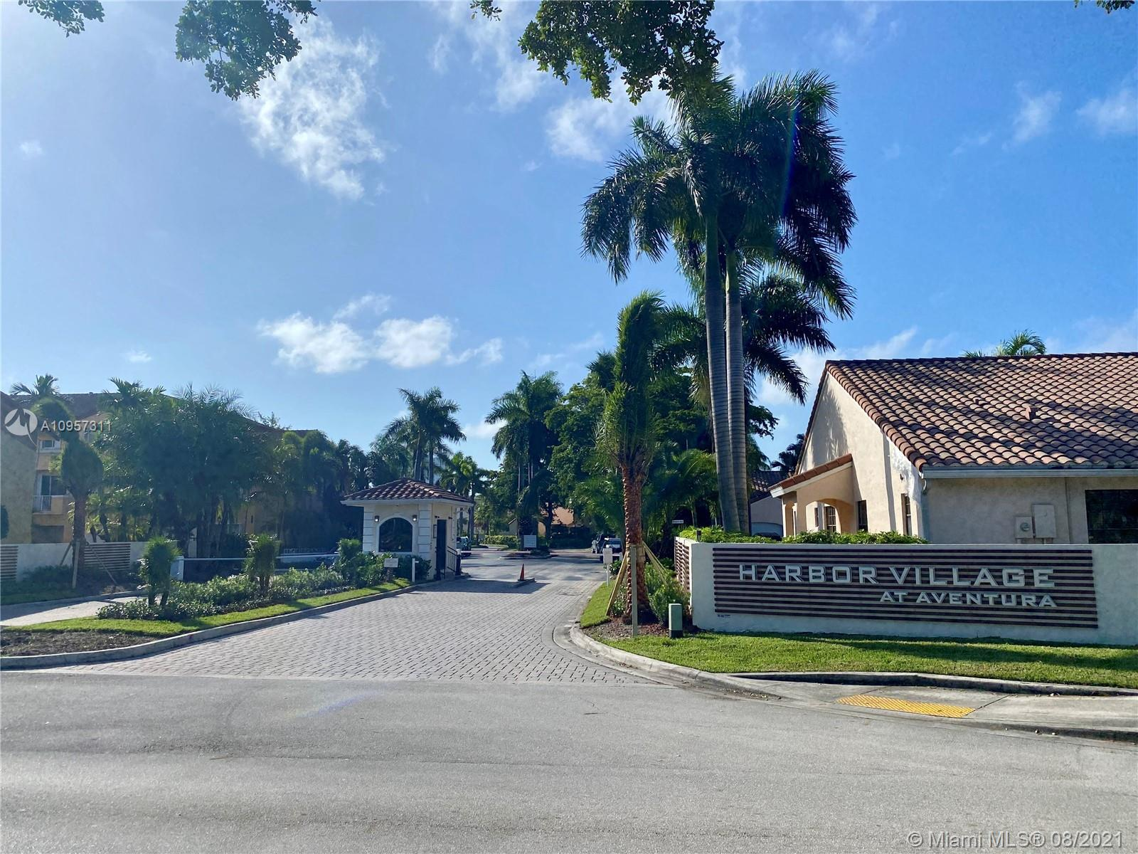 3 STORY 4BED/3.5 BATHS TOWNHOUSE IN GORGEOUS GATED WATERWAYS COMMUNITY.  COMMUNITY OFFERS 24 HOUR SE