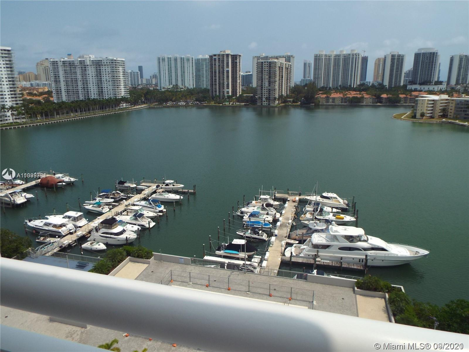BIG CORNER UNIT. SPECTACULAR VIEWS !!! 2 BEDROOMS / 2 BATHROOMS. STAINLESS STEEL APPLIANCES!  READY