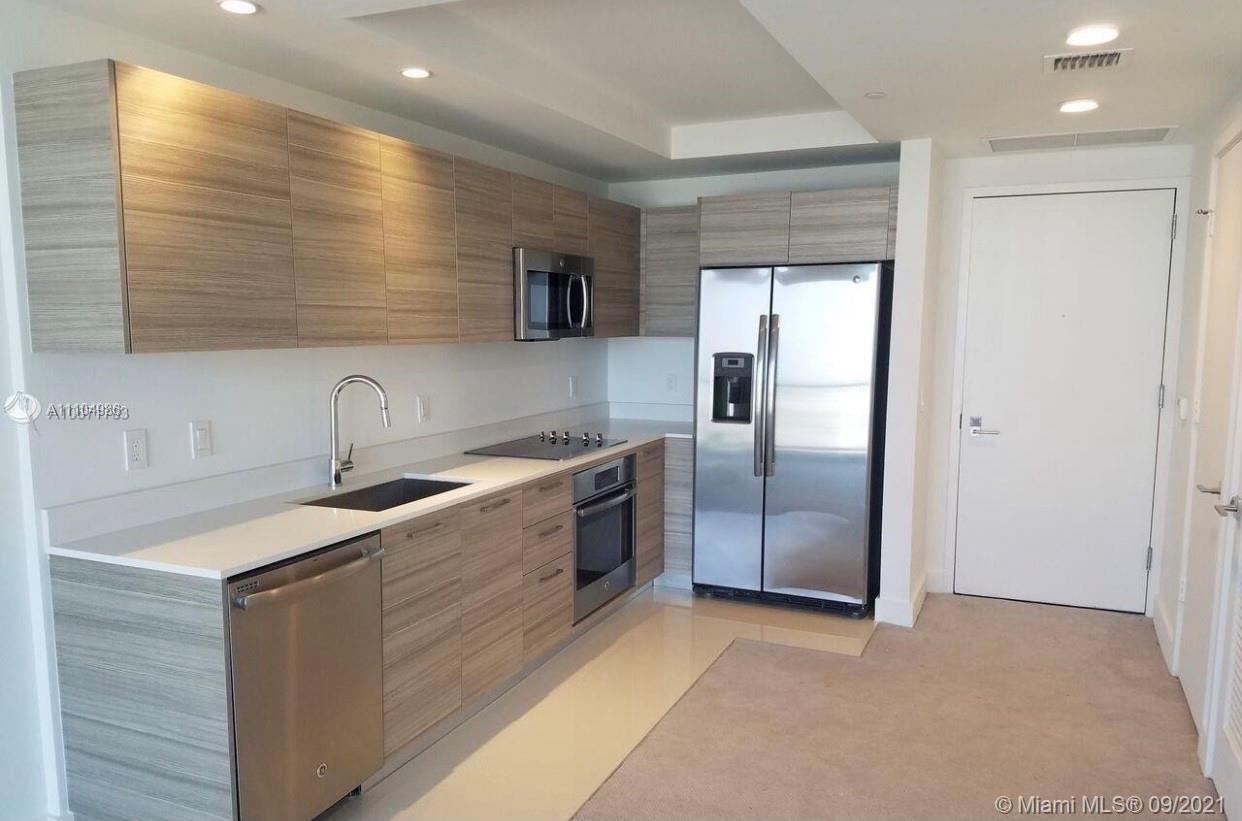 1 BED 1 BATH AT HYDE MIDTOWN, GREAT PANORAMIC CITY VIEWS, FULL AMENITIES INCLUDE: SPA, STARBUCKS STO