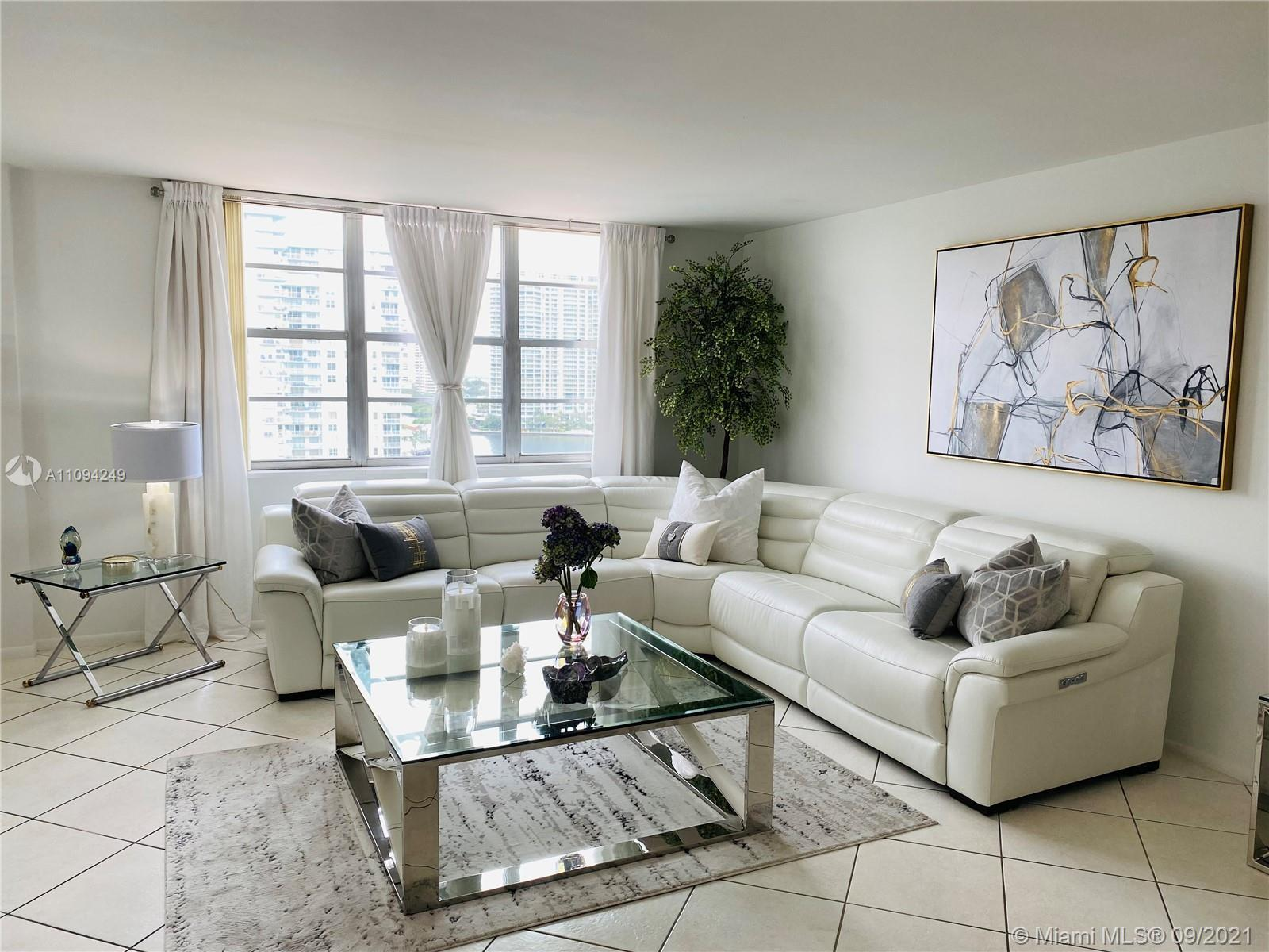 BEAUTIFUL, LARGE 2B/2B CORNER APARTMENT WITH GORGEOUS VIEWS OF THE WATER AND SUNNY ISLES BEACH SKYLI