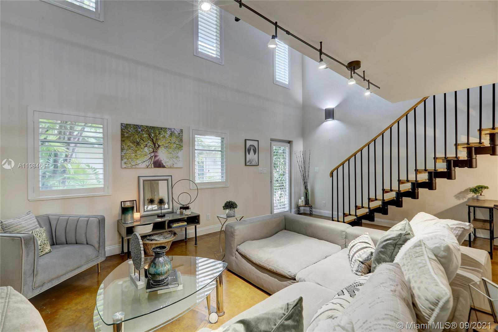 SoNew Lofts offers upscale living, open concept & modern, urban loft style design. 3 story FEE SIMPL