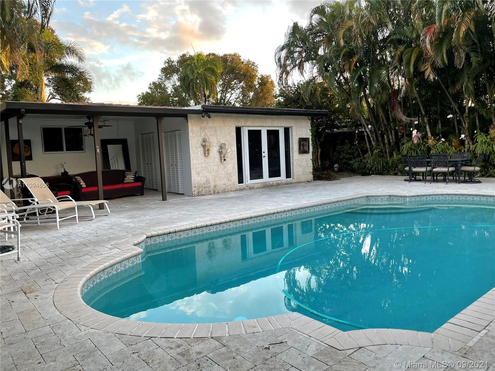 This can be your new dream home! 4 bedroom, 2 bath split plan Total living SqFt:¤1,829 with huge swi