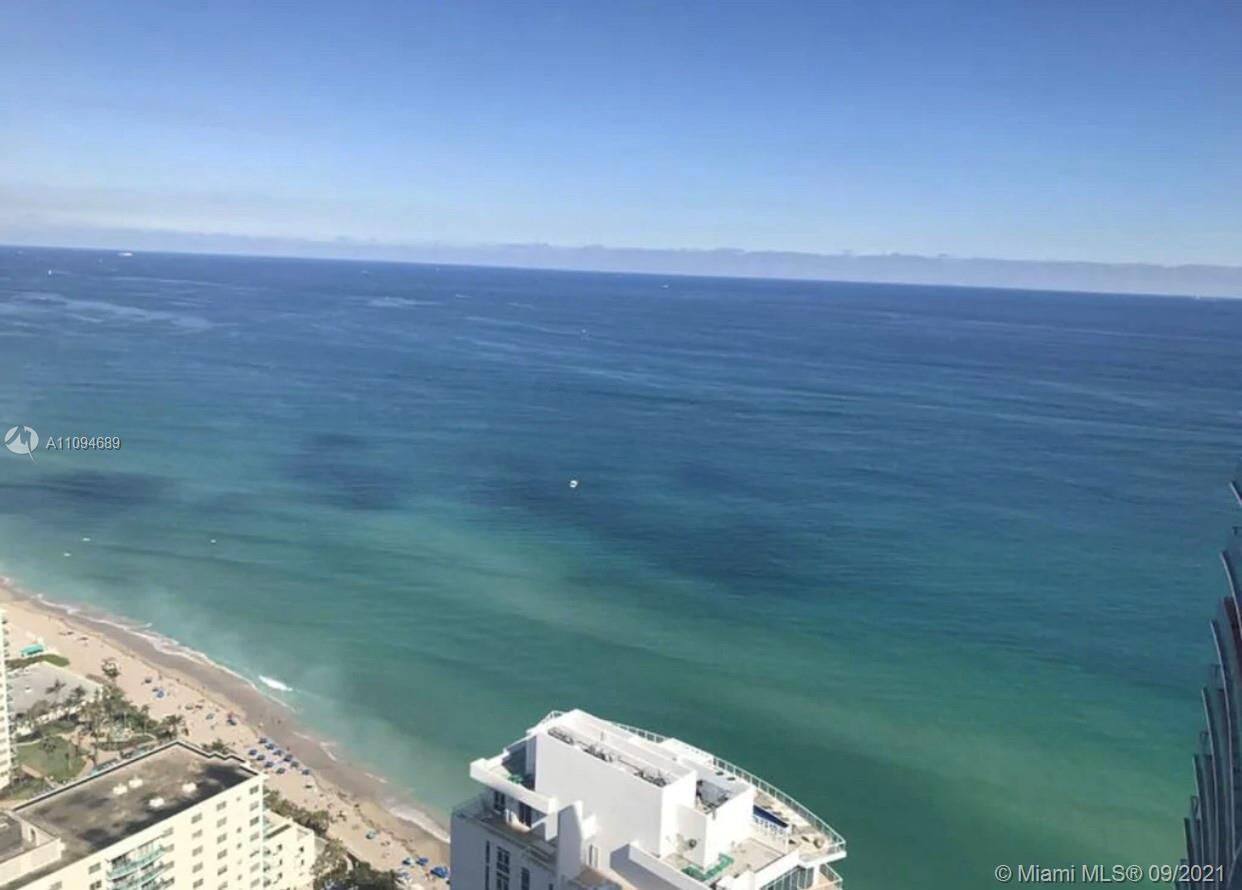 Investors dream at this sophisticated Hyde Resort & Residence, 2/2 Penthouse with a breathtaking oce