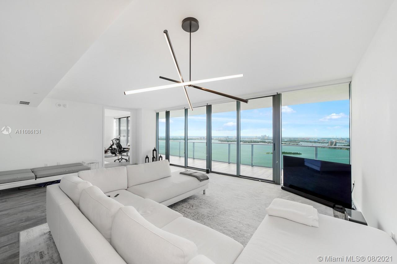 One of a kind corner 3 bed/3 full bath, a combination of two units, 4806 + 4807. Amazing 180 views o