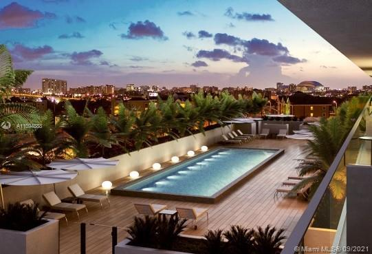 BEAUTIFUL 2 BEDROOMS, 2 BATH  APARTMENT WITH GREAT VIEWS TO BRICKELL AND THE CITY.  THE BATHROOMS AN