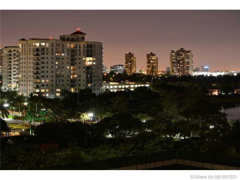 BEAUTIFUL APARTMENT AT HIGHLY DESIRED TURNBERRY VILLAGE SOUTH TOWER, 8TH FLOOR, NICE TURNBERRY GOLF