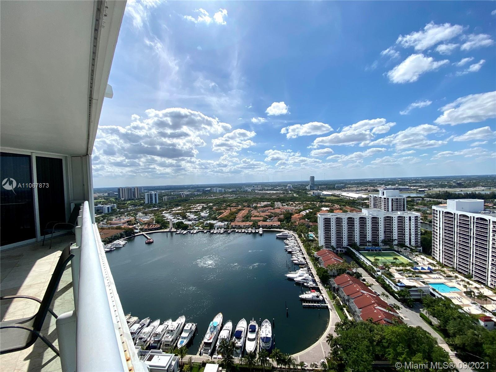 Amazing Pent House in the South Tower at the Point…the most exclusive building in Aventura. Living i