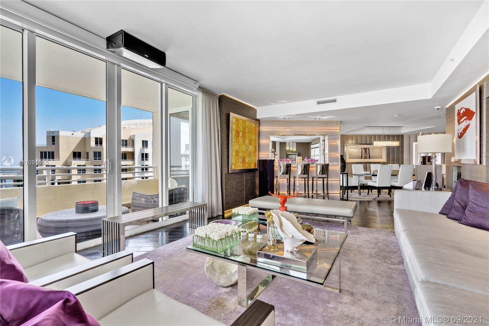 A must see!! Gorgeous high-end building with 24hr concierge, valet, and security. Amazing corner uni