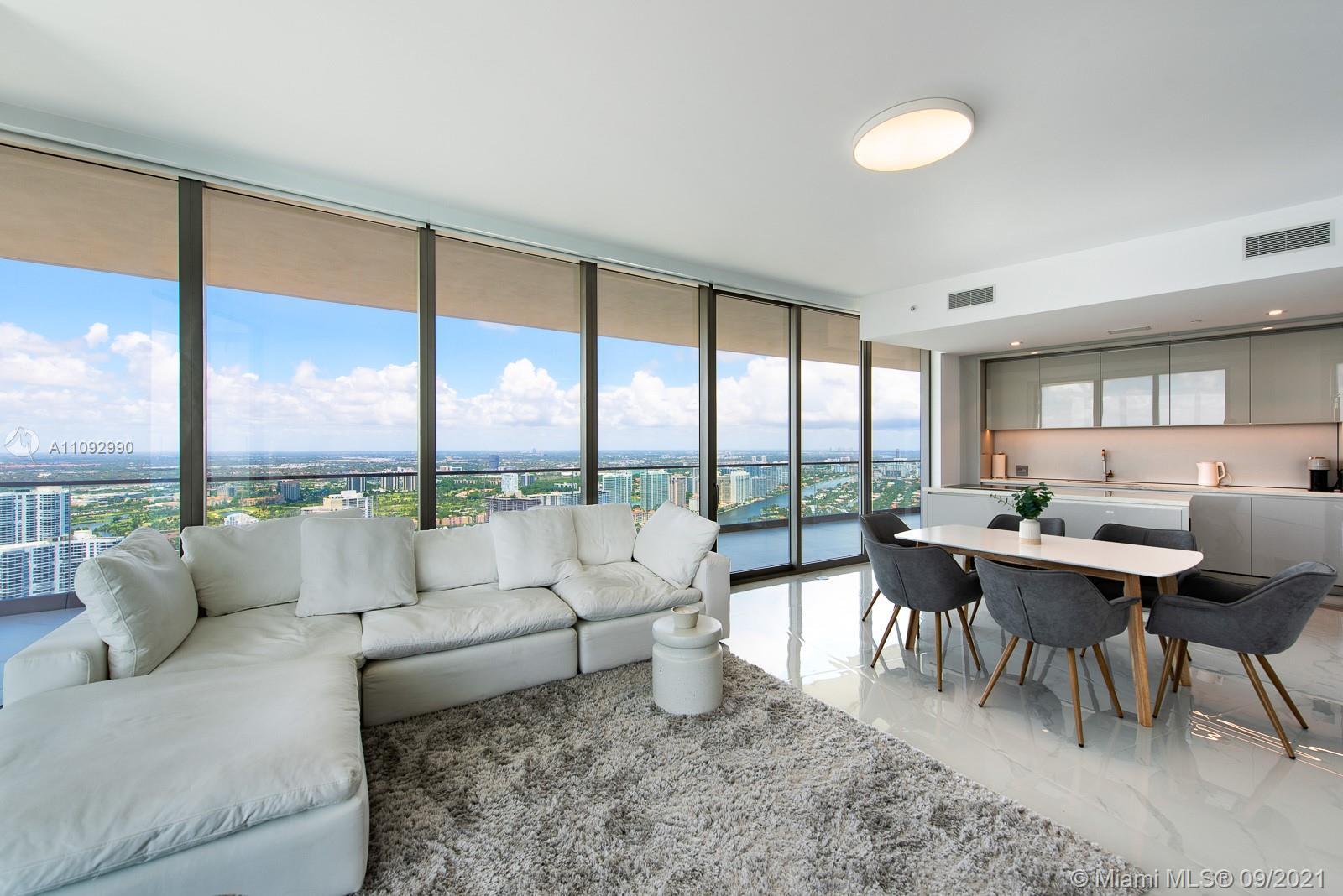 Stunning 2 bedrooms & 2 bathrooms residence with breathtaking views of the ocean and city skyline. N