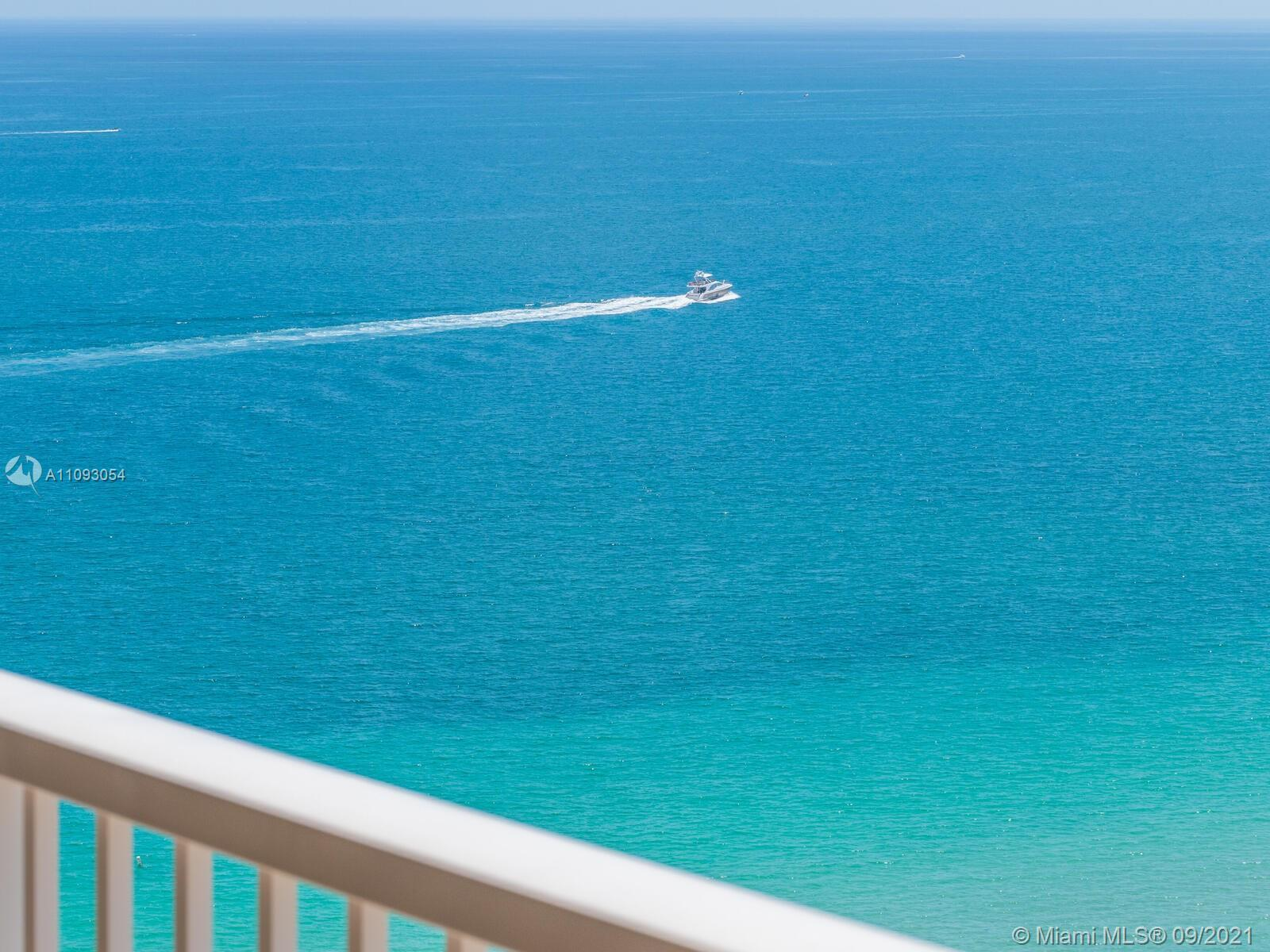 *Penthouse* 2 Br 2 Bath facing South, Views of the Ocean and Intracoastal. Two Sets Of Glass Sliders