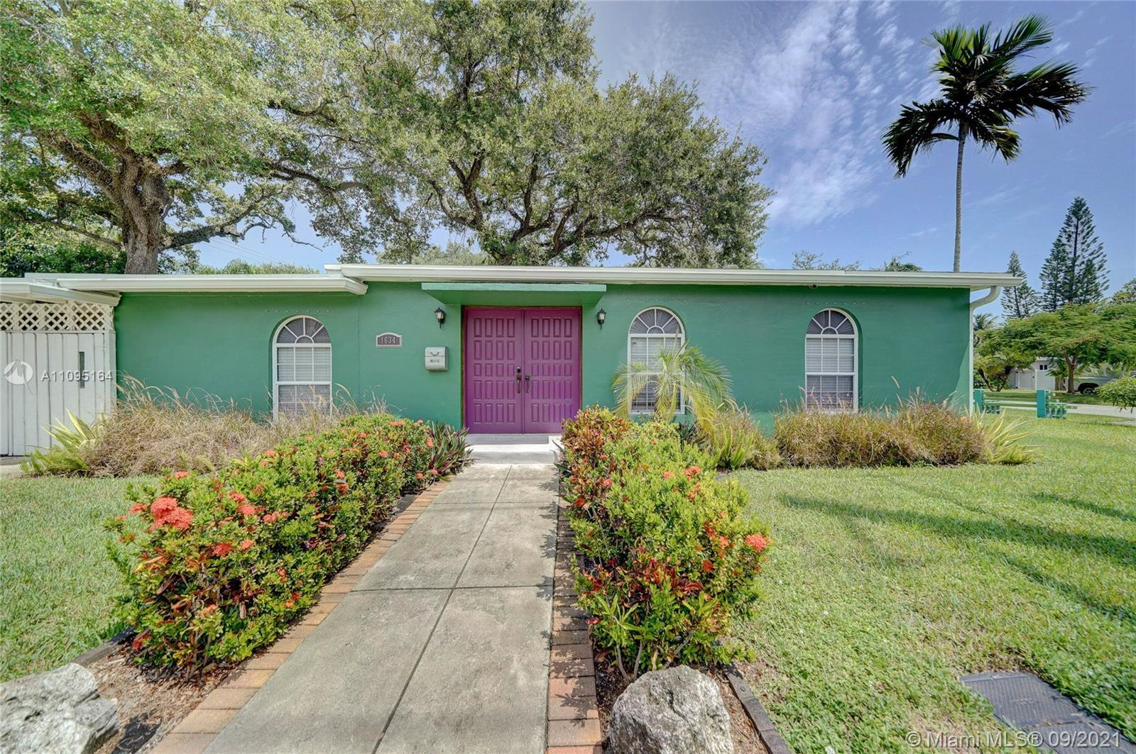 Welcome to this charming home in the perfect location minutes from Downtown Ft Lauderdale. This prop
